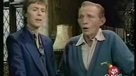 Bing Crosby & David Bowie - Peace on Earth/Little Drummer Boy 1977 - YouTube