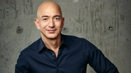 How Jeff Bezos Became a Power Beyond Amazon
