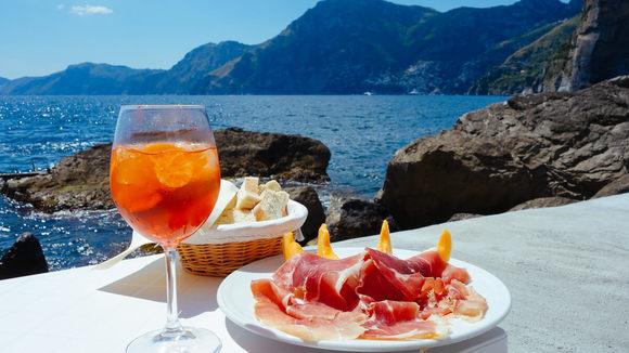 Recept voor Sgroppino, een cocktail van citroenijs, wodka en prosecco - Italië met Dolcevia.com